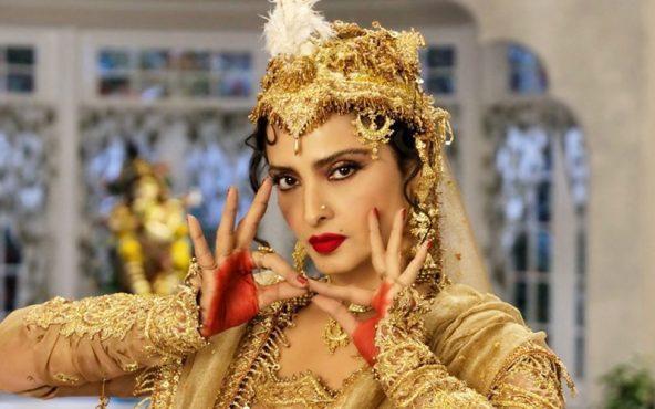 Rekha_dancing_inmarathi