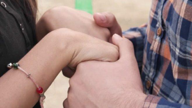 holding-hands-inmarathi