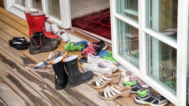 shoe-outside-inmarathi