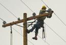 वीज जाते आणि येते – मध्ये काय घडते? : वीज वितरण कर्मचाऱ्यांचे युद्धप्रसंग!