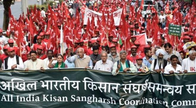 farmers march delhi inmarathi