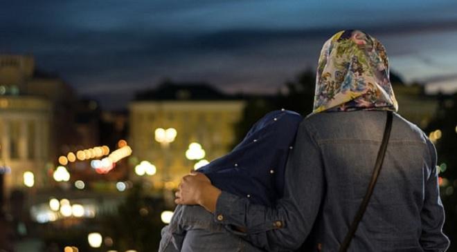 2 muslim girls InMarathi
