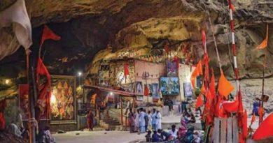 भारतीयांचं श्रद्धास्थान असलेल्या ह्या देवीचं मूळ मंदिर आजही पाकिस्तानात यात्रा घडवून आणतंय!