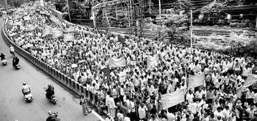 mumbai-mills-worker-inmarathi