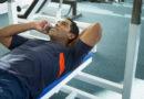 जिममध्ये व्यायाम करताना लोक ह्या १५ चुका करतात आणि तब्येतीचे नुकसान करून घेतात