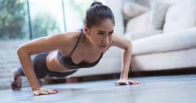 girl push ups inmarathi