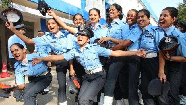 lady pilot group inmarathi