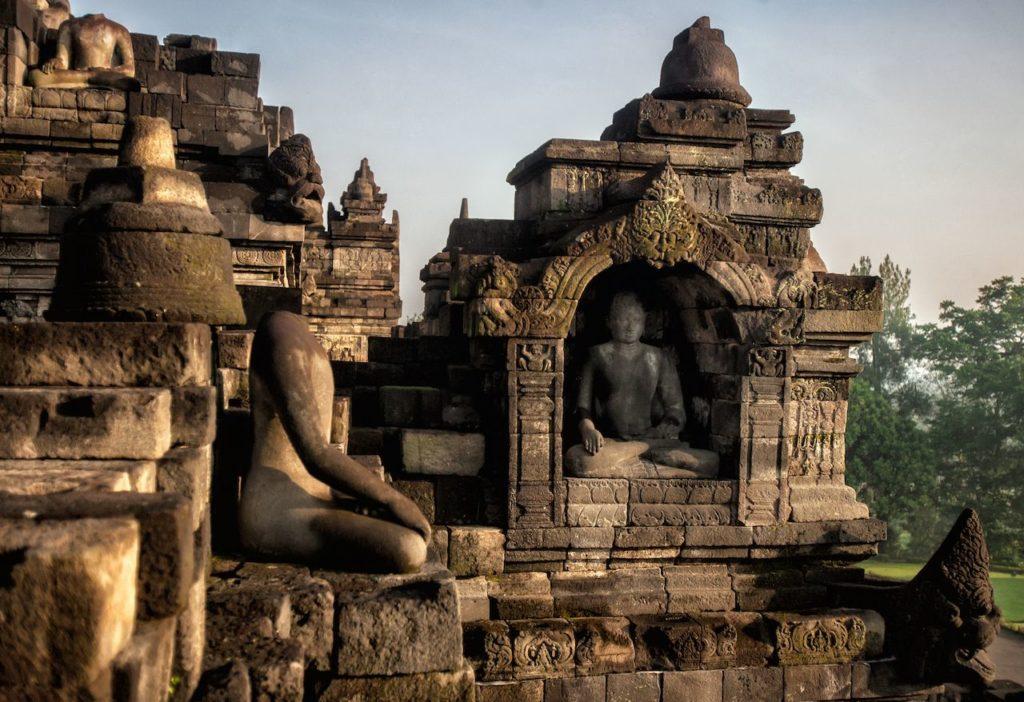 Large cambodia temple InMarathi