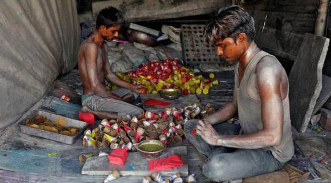 firecracker maker inmarathi