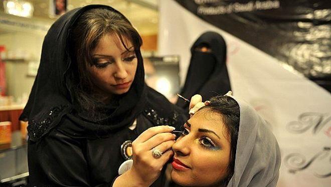 saudi women 2 InMarathi
