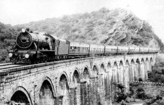 indian-railway-in-british-india inmarathi