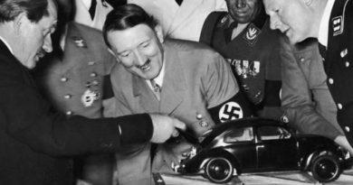 Hitler-Volkswagen-Inmarathi