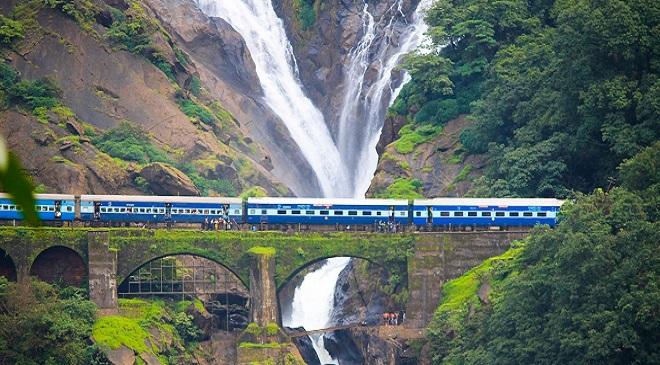 dudhsagar-waterfall- Train Route InMarathi Feature