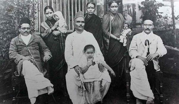 savarkar family inmarathi