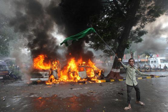 hindu muslim riots inmarathi