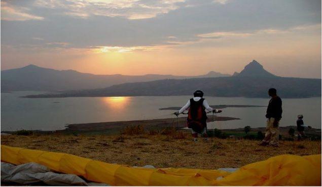 paragliding-at-kamshet inmarathi