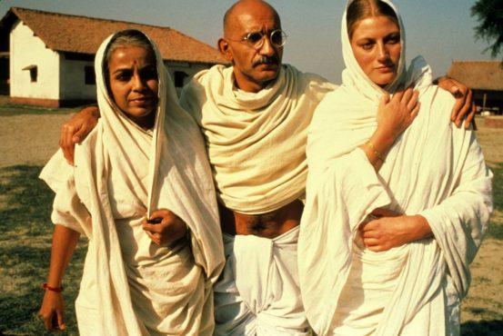 bhanu athaiya 3 InMarathi