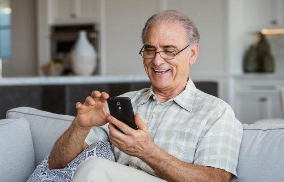 cell-phones-senior-citizens Inmarathi