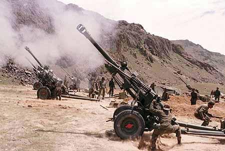 INDIAN ARMY SOLDIERS FIRE ARTILLERY SHELLS TOWARDS KASHMIR InMarathi