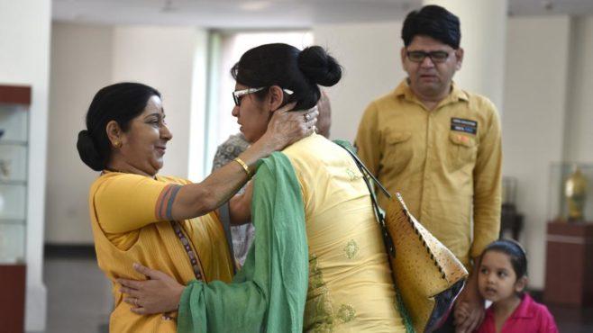 sushma swaraj 10 inmarathi