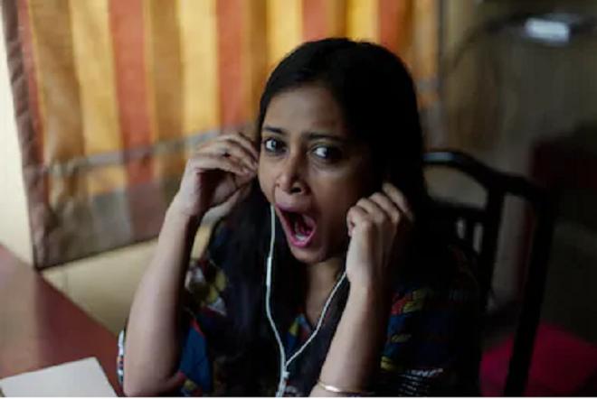 girl yawn inmarathi