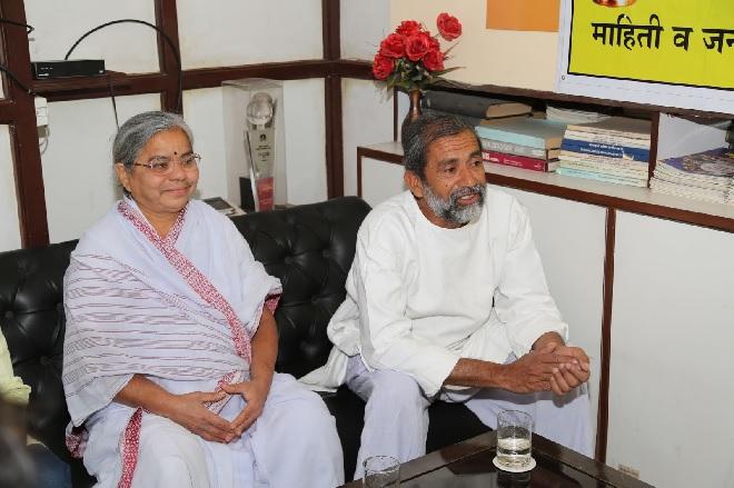 ravindra-and-smita-kolhe-inmarathi