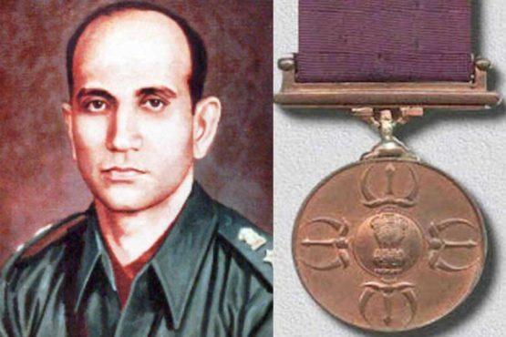 Leftenant Karnal Ardheshir Tarapore InMarathi