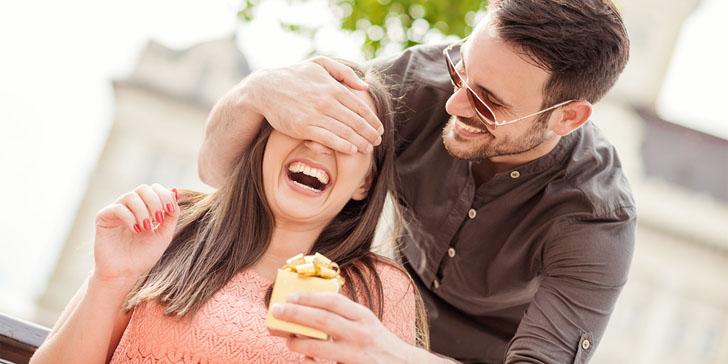 things-happy-couples-talk-InMarathi