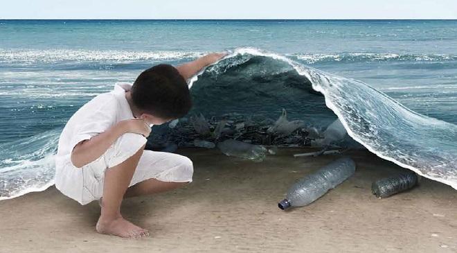 Litter Plastic in Sea inmarathi