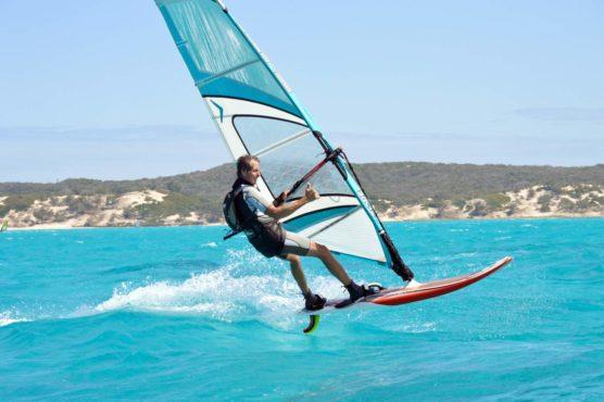 wind-surfing inmarathi