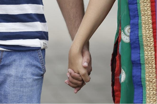 couple holding hands inmarathi
