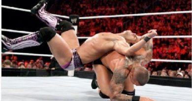 जगातील सर्वात श्रीमंत माणूस आता चक्क WWE विकत घेण्याच्या तयारीत!