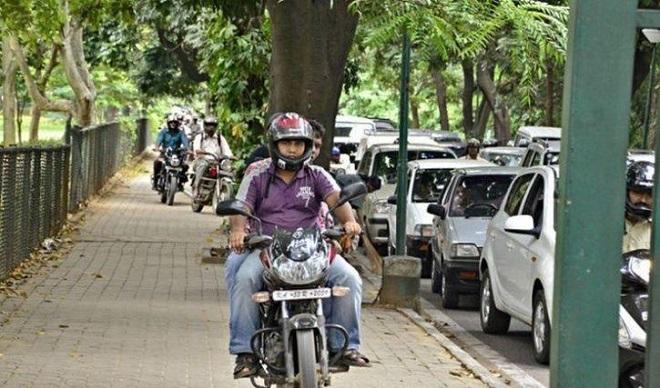 indians breaking rules inmarathi 1
