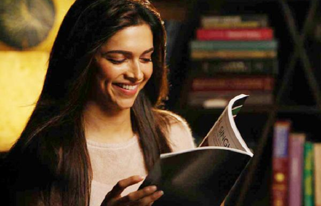 deepika reading inmarathi