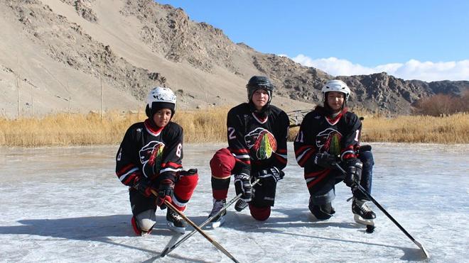 ice hockey inmarathi