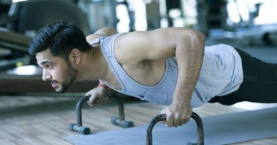 man-doing-push-up IM