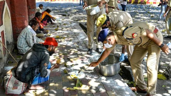police helping inmarathi