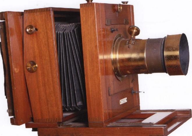 portable camera inmarathi