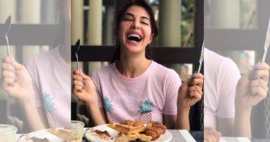 actress eating inmarathi