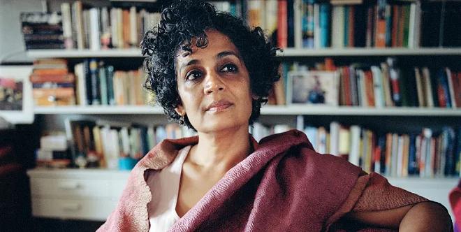 arundhati roy inmarathi