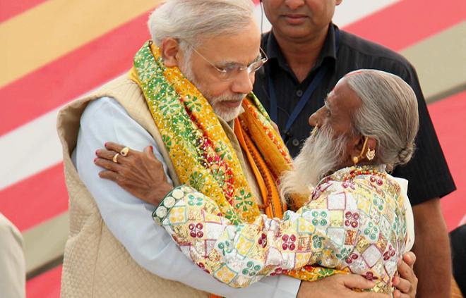 modiji with chunriwala mataji inmarathi