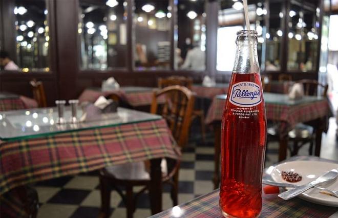 irani hotel and soda inmarathi