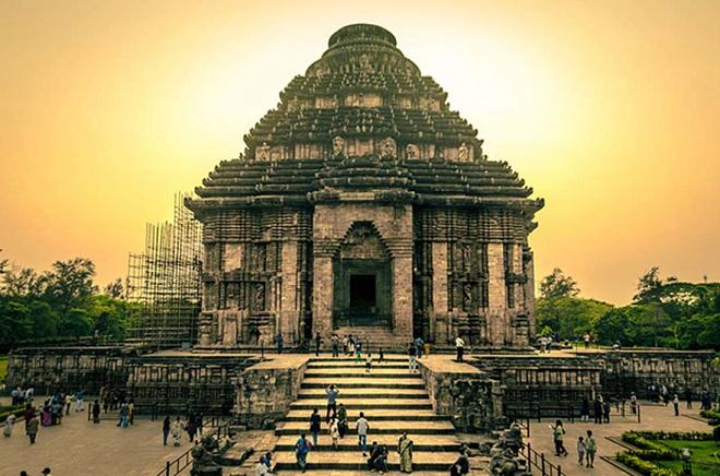 konark sun temple inmarathi