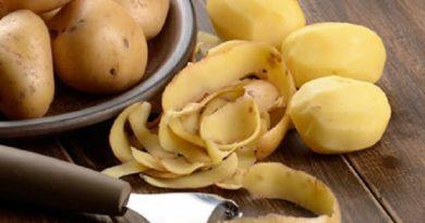 कचऱ्यात जाणाऱ्या बटाट्याच्या सालीचे असेही उत्कृष्ट फायदे असतील याची कुणाला कल्पनाच नसते
