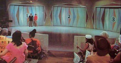 Monty Hall InMarathi