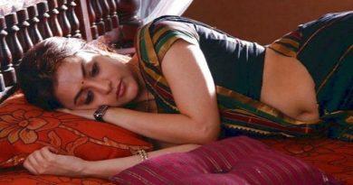actress sleeping inmarathi