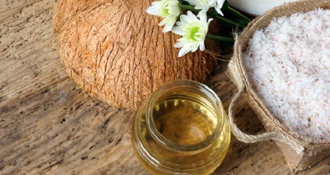 oiling hair inmarathi2