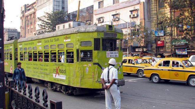 culcutta tram inmarathi
