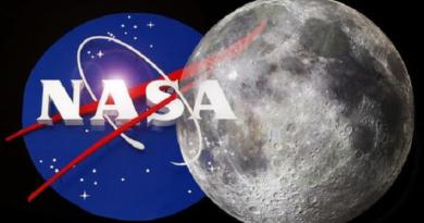 nasa moon featured inmarathi