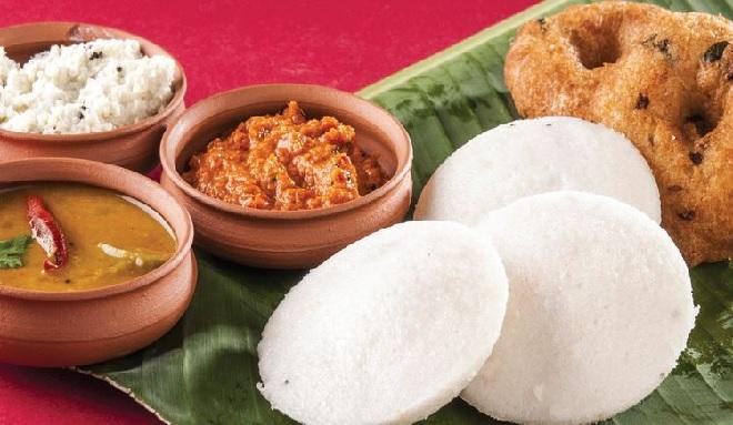 rayars-mess-idli-inmarathi